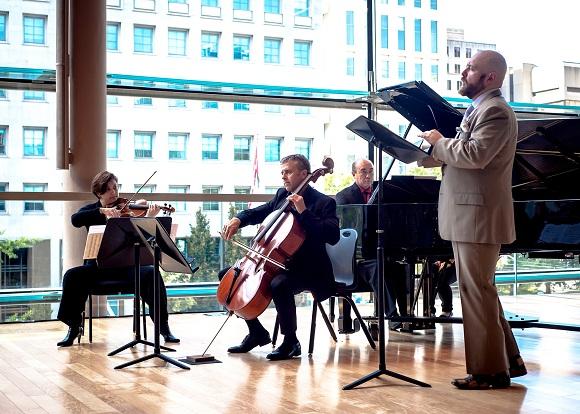 Pomakov Gryphon Trio - Tim Flynn