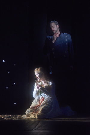 0222 – Ekaterina Gubanova as Judith and John Relyea as Duke Bluebeard in the Canadian Opera Company production of Bluebeard's Castle, 2015. Conductor Johannes Debus, director Robert Lepage, revival director François Racine, set and costume designer Michael Levine, and lighting designer Robert Thomson. Photo: Michael Cooper Michael Cooper Photographic Office- 416-466-4474 Mobile- 416-938-7558 66 Coleridge Ave. Toronto, ON M4C 4H5