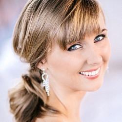 Charlotte-Knight_Soprano_Headshot_2014-(1)