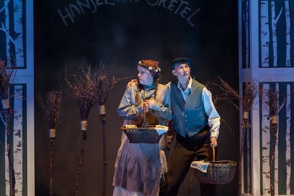 Kendra Dyck (Gretel) & Rachel Miller (Hansel); GGS opera; Lisa Sakulensky Photography;1454sm
