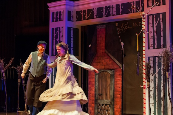 Kendra Dyck (Gretel) & Rachel Miller (Hansel); GGS opera; Lisa Sakulensky Photography;1628sm