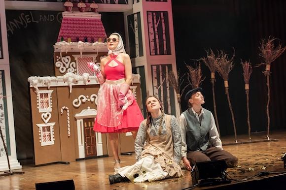 Kendra Dyck (Gretel), Rachel Miller (Hansel), Kateryna Khartova (Dew Fairy); Lisa Sakulensky;sm