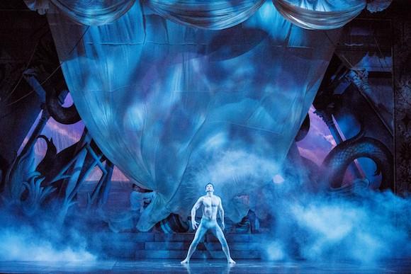 12_Opera-Atelier_Idomeneo-2019_Bass-baritone-Douglas-Williams_PHOTO-BY-BRUCE-ZINGER