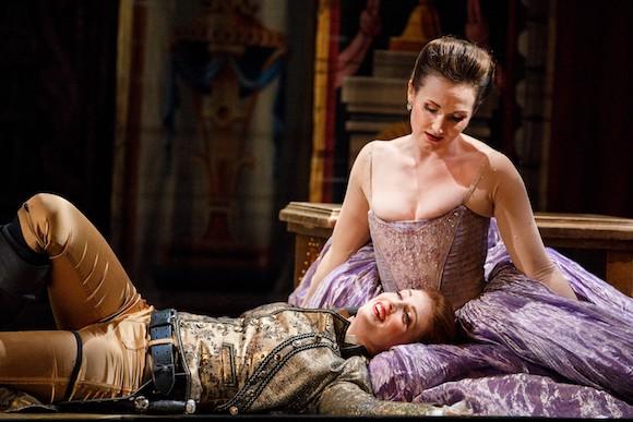 13_Opera-Atelier_Idomeneo-2019_Mezzo-soprano-Wallis-Giunta-and-soprano-Meghan-Lindsay_PHOTO-BY-BRUCE-ZINGER