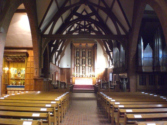 Nave_of_St_Thomas_Anglican_Church_of_Canada,_Toronto